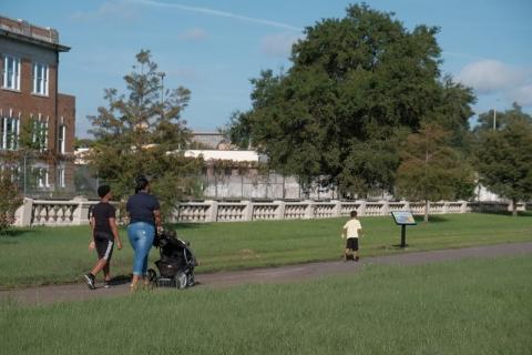 family enjoying Klutho Park Storywalk